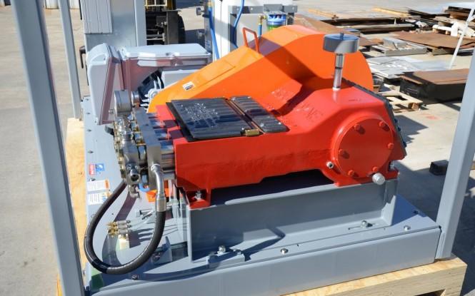 واترجت فشارقوی با فشار 40000PSI  جهت رسوب زدایی و شستشوی صنعتی مبدل های حرارتی مدل Aqua-Dyne BlastMax 250 ساخت ایدروجت ایتالیا