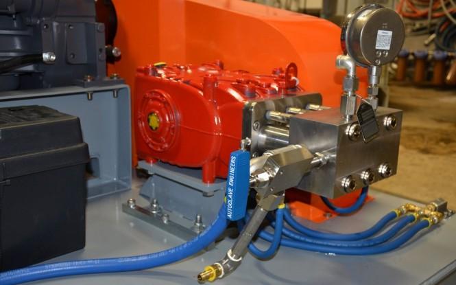 واترجت فشارقوی با فشار 40000PSI  جهت رسوب زدایی و شستشوی صنعتی مبدل های حرارتی مدل BlastMax 50 ساخت ایدروجت ایتالیا