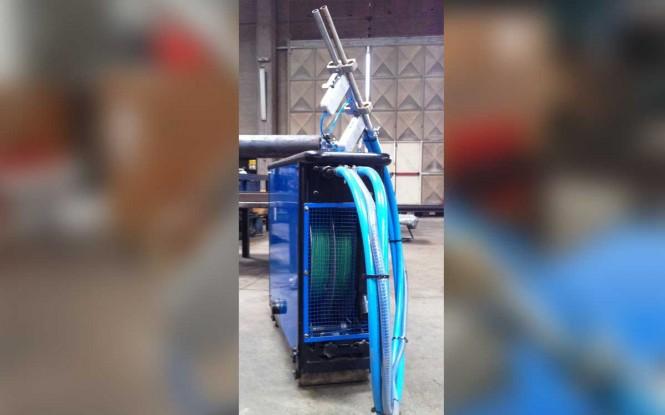 فلکسیبل لنس ماشین دوگانه با درایور بادی جهت رسوب زدایی داخلی مبدل با فشار 8 بار مدل FX2 - Air ساخت ایدروجت ایتالیا